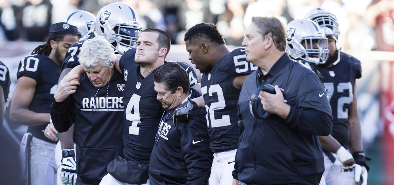 VIDEO: Derek Carr Knew He Broke His Leg Upon Impact