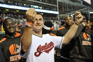 Manziel Signs Contract & Gets The Millions He's Been Waiting For