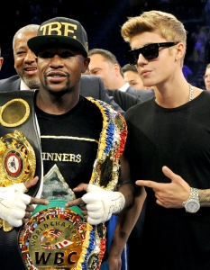 The Bieber Gets Some Boxing Lessons From Floyd Mayweather