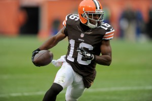 """VIDEO: Browns Receiver Andrew Hawkins Has What We Call """"Quick Feet"""""""
