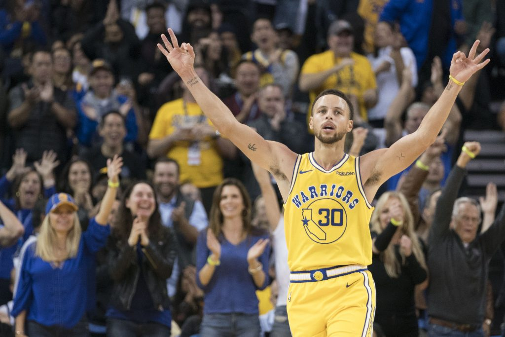 Steph Curry Goes Crazy. Drops 51 Points In 32 Minutes
